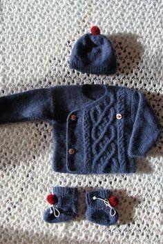 Gilet/cache coeur bleu, bonnet, 1/3 mois, mérinos et angora @ Danielaine-Tricots : Mode Bébé par danielainetricots