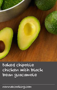 Baked chipotle chicken with black bean guacamole Hake Recipes, Avocado Chicken Recipes, Best Baked Chicken Recipe, Best Chicken Dishes, Creamy Pasta Recipes, Beans Recipes, Best Pasta Recipes, Bean Soup Recipes, Oven Chicken