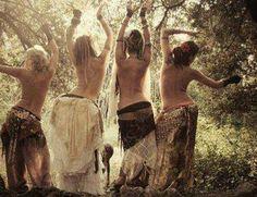 "❀ live, love, laugh, sing, dance & be happy ~ Wild woman sisterhood ❀ ""Dance is an active meditation. Tribal Fusion, Danza Tribal, Tribal Dance, Mundo Hippie, Foto Fantasy, Sacred Feminine, Feminine Energy, Mystique, Belly Dancers"