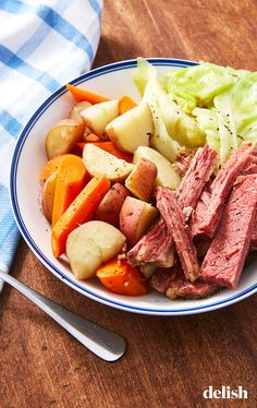 Boiled dinner doesn't sound like much, but honestly it's just another term for corned beef and cabbage. It's a simple meal that's as complicated as bringing a pot of water to boil. Patrick's Day the right way with some boiled dinner, Boiled Cabbage, Cabbage And Potatoes, Corn Beef And Cabbage, Corned Beef Brisket, Corned Beef Recipes, Irish Dinner, Boiled Dinner, Irish Recipes, Recipes