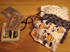 Kit com 3 lindos sachets em formato de saquinho de chá, confeccionados artesanalmente em tecido 100% algodão com delicioso aroma...Para  perfumar e decorar sua cozinha !!! Confeccionamos em diversas estampas !!!! Consulte-nos : atendimento@maribijoux.com.br R$9,00