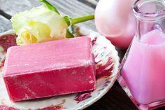 Nous avons déjà vu ce qu'était un savon à froid (voir article ICI), puis, les ingrédients et ustensiles nécessaires à la réalisation de savon a froid (voir