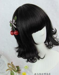Sweet black face framing curls lolita wig, short style, creats a very sweet image.