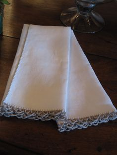 Linen Guest Towels with Khaki Scalloped Edge Online Boutique Stores, Decorative Hand Towels, Linens And Lace, Guest Towels, Vintage Textiles, Scalloped Edge, Annie, Objects, Reading