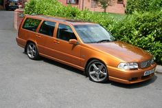 Volvo V70 R was gonna get car exactly the same, but guy forgot to take ad off internet :(
