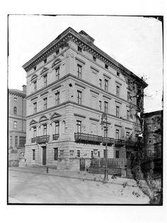 Cornelius Vanderbilt III Residence | 3-5-7 East 71st Street, New York, NY (c. 1900).