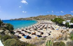 Super Paradise beach in Mykonos Family Beach Pictures, Summer Pictures, Beach Photos, Travel Pictures, Mykonos Island Greece, Greece Islands, Paros, Super Paradise Beach, Popular Holiday Destinations