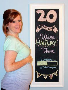 Week 20 Pregnancy Chalkboard Tracker - Bumpdate