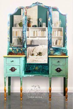 New makeup vanity makeover diy painted furniture ideas Recycled Furniture, Refurbished Furniture, Furniture Makeover, Furniture Decor, Painted Furniture, Refurbished Vanity, Sanding Furniture, Mirror Furniture, Green Furniture