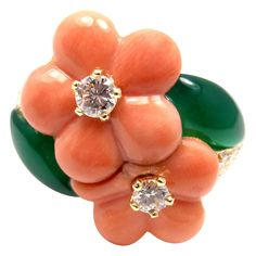 Van Cleef & Arpels Coral Chalcedony Diamond Yellow Gold Flower Ring | 1stdibs.com