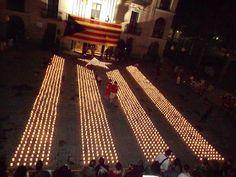 Estelada amb Espelmes - Encén la Flama a Olesa de Montserrat davant l'ajuntament 4 de maig del 2013 #estelada #catalunya #olesademontserrat