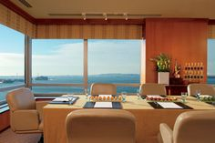 Panoramic views of the southern tip of Manhattan inspire those in meetings at The Ritz-Carlton New York, Battery Park's Rise space.