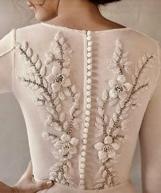 ✔ 20 elegant vintage chiffon tea length wedding dresses trends and ideas 2017 00016 Bridal Gowns, Wedding Gowns, Ivory Wedding, Extravagant Wedding Dresses, Modest Wedding, Vestidos Vintage, Casual Fall Outfits, Women's Casual, Beaded Embroidery