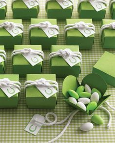 A gorgeous idea for baby shower favours.