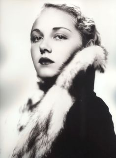 margyfrake: Leila Hyams photographed by George Hurrell, 1932