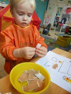 People Who Help Us, Community Helpers Preschool, Lesson Plans For Toddlers, Kindergarten Games, Halloween Activities For Kids, Child Life, Kids Education, Preschool Activities, Kids Playing