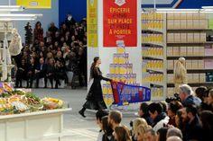 Kendall Jenner, de 'compras' en el maravilloso 'supermercado' de Chanel