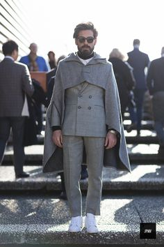 Shop similar style inspirations on the 🧞♂️📲 Mens Fashion, Fashion Outfits, Fashion Trends, Inspiration Mode, Cape Coat, Street Style, What To Wear, Personal Style, Menswear