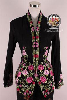 Kebaya Moden, Hand Embroidery, Machine Embroidery, Dress Muslimah, Kebaya Lace, Blouse Batik, Twelfth Night, Cut Work, Women's Fashion