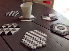 L'idée #DIY : Créer des dessous de verre avec des perles à repasser. - Create coasters with beads board.