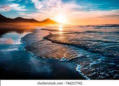 Sunset in The Sea HD wallpaper download Samsung Galaxy Alpha, Galaxy Nexus, Hawaiian Sunset, Blue Sunset, Large Wall Murals, Water Background, Ocean Deep, Ocean Wallpaper, Morning Sky
