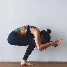 nose to knee squat   yoga