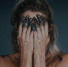 Meet Sara Shakeel, The Original Crystal Artist - Beauty Beauty Dish, Glitter Photography, Glitter Art, Glitter Makeup, Black Glitter, Glitter Nails, Foto Art, Dark Fantasy, Storyboard