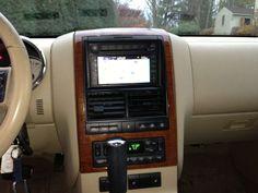 Make Ford Model Explorer Year 2006 Exterior Color Tan Interior