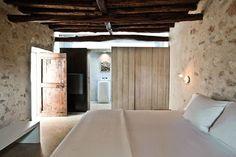 minimalist-architectonic-tendency-kelosa-modern-ibiza-finca-bedroom