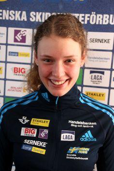 HANNA ÖBERG vann sensationellt JVM-sprinten i skidskytte i Rumänien. Foto: SVENSKA SKIDSKYTTEFÖRBUNDET Beautiful Athletes, Cross Country Skiing, Sports Stars, Sports Women, Sweden, Queens, Female, Fashion, Exercises