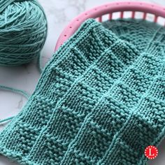 Learn how to knit the Flag Stitch Pattern on a knitting loom with a step by step video tutorial. Beanie Knitting Patterns Free, Loom Knitting Stitches, Loom Knit Hat, Loom Knitting Projects, Sock Knitting, Knitting Tutorials, Knitting Machine, Cross Stitches, Vintage Knitting