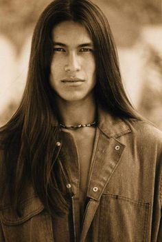 native american sexy men with long hair - Bing Images Native American Actors, Native American Beauty, Native American History, American Indians, Most Beautiful Man, Beautiful People, Cherokees, Guy Haircuts Long, Foto Art