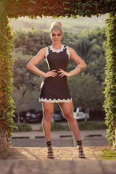 70a97962f1 Dress Us Vestido tubinho liso evasê com guipir 115335 - PROMOÇÃO
