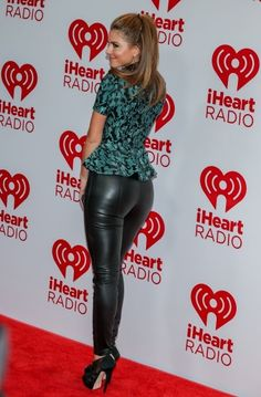 Maria Menounos booty in leather pants and heels fot iheart radio.