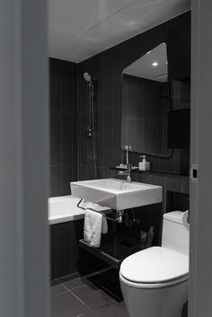 도원 삼성 래미안 아파트 24평 아파트 인테리어 by 샐러드보울 디자인 안녕하세요 샐러드보울 디자인 구창... Contemporary Bathrooms, Home Kitchens, Home Remodeling, Toilet, New Homes, House Design, Interior Design, Architecture, Home Decor