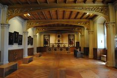 Lecture room Luther House Wittenberg Today Wittenburg is know as LutherStadt and the entire city celebrates it's role in the Reformation. As we approach the 500th anniversary of the nailing of the 95 Theses, the town is busy refurbishing the Castle Church and preparing for the influx of tourists coming for the anniversary. We enjoyed walking through the old town which holds four sites which are now UNESCO World Heritage sites because of their role in the Reformation.  www.germanyja.com