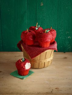 In-season Red Delicious apples are the inspiration for these adorable fall treats.