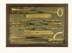 Ensemble de huit instruments à dessineren laiton doré et acier, fin du XVIIe siècle, signé <em>Iacobus Lusuerg</em> et daté <em>1683</em> | Lot | Sotheby's