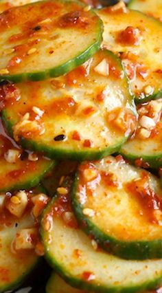 A simple light Korean cucumber side dish that's like a salad. Very light seasoning allows the cucumber flavor to come through. Korean Cucumber Side Dish, Korean Cucumber Salad, Cucumber Kimchi, Korean Dishes, Korean Food, Cucumber Recipes, Salad Recipes, Easy Asian Recipes, Healthy Recipes