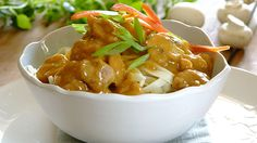 Paprika, pineapple & pork pot: quick, easy and delicious! Pork Recipes, Cooking Recipes, Sweet And Spicy, Potato Salad, Pineapple, Curry, Dinner Recipes, Food And Drink, Dishes