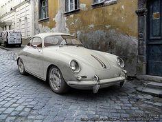 356 Porsche I'm in love with this car! Porsche Rs, Porsche 356 Speedster, Porsche Sports Car, Classic Sports Cars, Classic Cars, Vintage Cars, Antique Cars, Automobile, Futuristic Cars