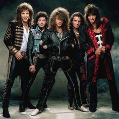 Jon Bon Jovi--still sexy after all these years. Pinterest: TheGoldenBrunetteॐ