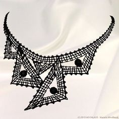 Lace Necklace, Fabric Necklace, Lace Jewelry, Beaded Lace, Beaded Embroidery, Embroidery Designs, Romanian Lace, Bobbin Lacemaking, Bobbin Lace Patterns