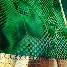 Green silk saree  Kanjipuram - pattu saree  Lightweight  Mahalakshmi silks