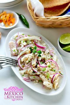 Bring a little piece of the ocean to your table with this quick recipe. Tiritas de pescado is a fish cocktail popular in the beautiful coastal town of Zihuatanejo. Enjoy!