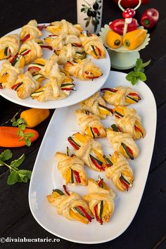 Finger Food Appetizers, Finger Foods, Appetizer Recipes, Amazing Food Decoration, Party Food Platters, Homemade Pastries, Tapas, Party Snacks, Baby Food Recipes