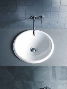 Esthetics & funcitonality are key characteristics of the Architec series by Duravit: Modern tubs, bidets, urinals & washbasins developed by Prof. Modern Bathroom Sink, Bathroom Basin, Cabin Bathrooms, Dream Bathrooms, Lavabo D Angle, Inset Basin, Bathroom Showrooms, Vanity Basin, Modern Toilet