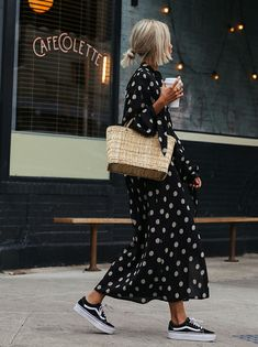 polka dot dress, sneakers & straw bag