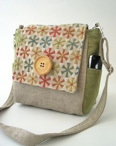Wonderful handmade backpack / messenger bag / tote -- versatile size and pretty design!  by daphnenen on Etsy