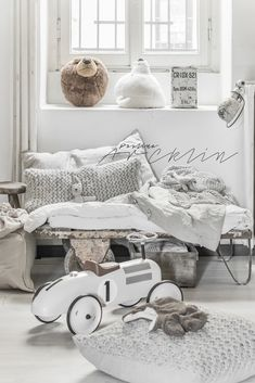 © Paulina Arcklin | NATURAL VINTAGE INDUSTRIAL MOOD FOR KID ROOM